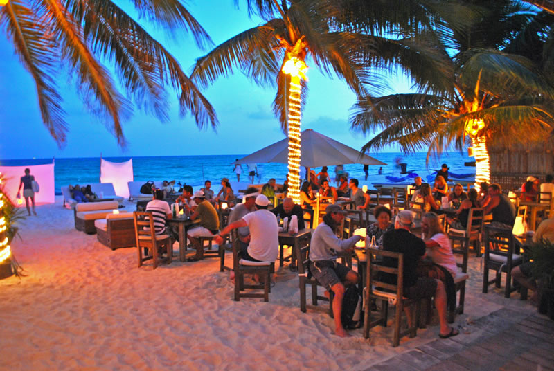 Zenzi Restaurant - Playa del Carmen ENJOY